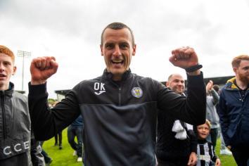 Oran Kearney helps keep St. Mirren up