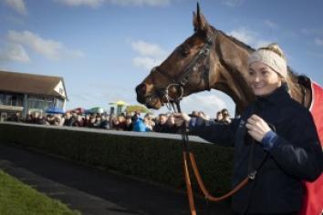 Tiger Roll set for Ladbrokes Ireland Boyne Hurdle Sunday