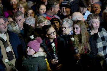 Over 1000 attend memorial for victims